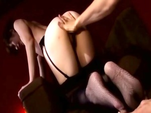 japanese woman woman uneasy drilling