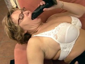 giant breast mature goes horny