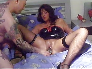 young mature babe fingering and footing!