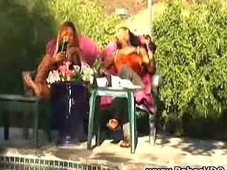 mature babe abusing the swimmingpool man