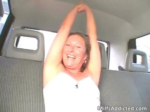 car fellatio with awesome and naughty woman
