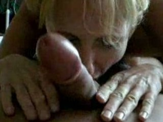 woman giving a pretty dick sucking with hot result