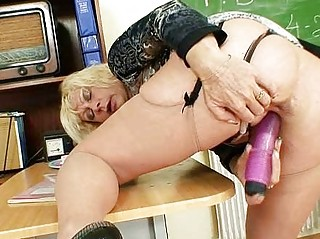 mature babe lecturer adores to masturbate after