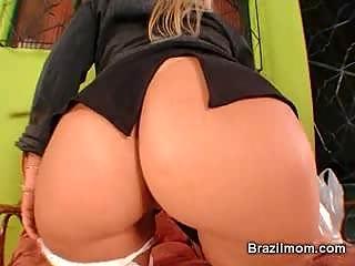 brazilian mature babe vibrator her vagina