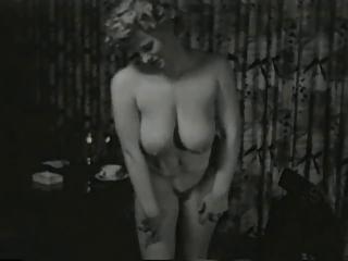 saucy smokin lady from 1950s
