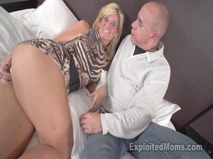 hot woman gets nasty