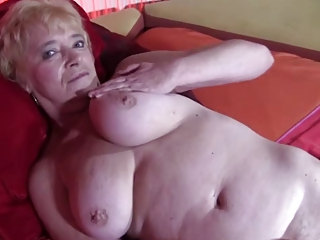 elderly inside nylons goes naked and spreads