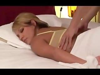 amateur pale housewife massaged by japanese