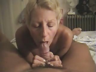 nudist filming his lady giving him a dick sucking