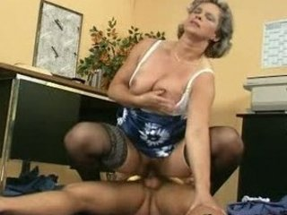 milfs butt getts fisting