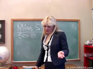 saucy milf teaches you about her kitty