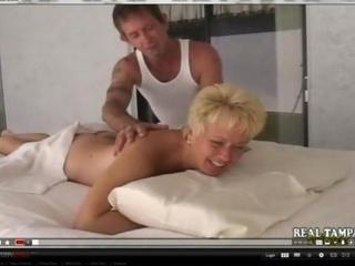 inexperienced mother banged on massage kitchen