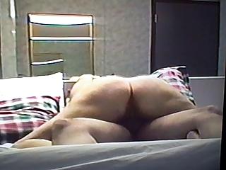 extremely impressive bottom lady