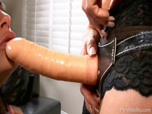 angela valentine banged by a strap on from kelly