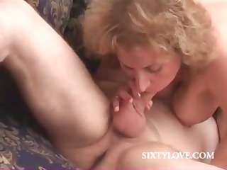 pale mommy likes to drive penis