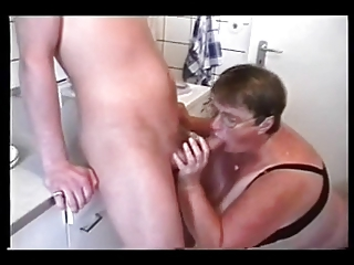 bbw older  with two inexperienced guys