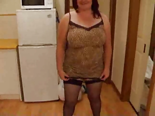 fat housewife getting nude