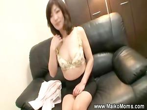 older japanese maiko seduces man