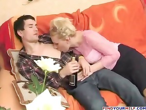 russian slutty aunty seducing cousin